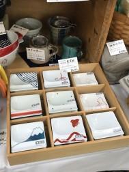 波佐見焼の重宝皿は、毎回人気です。 価格600円税別