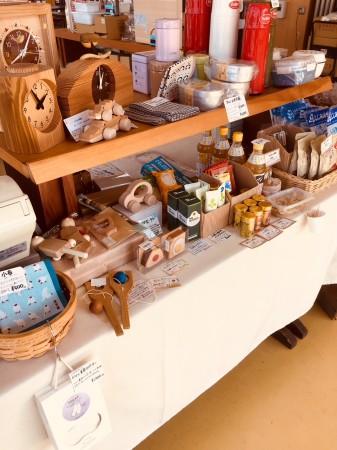 キコリの時計やナカムラ 工房さんのおもちゃも お持ちしています。