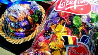 ベルギー産 チョコレートタフィ ●小袋 500円(税別)  ●大袋 1,500円(税別)