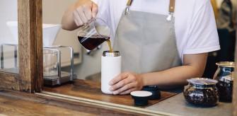 口が広いので 挽きたてのコーヒー注いで、お出かけもしやすいです。