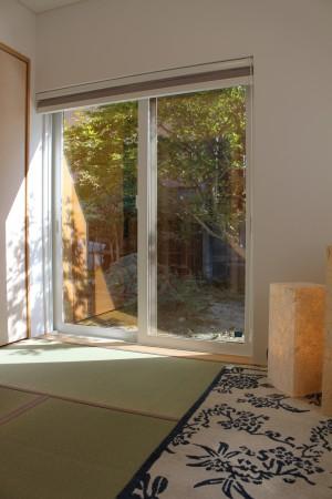 引き違い窓の掃き出し窓