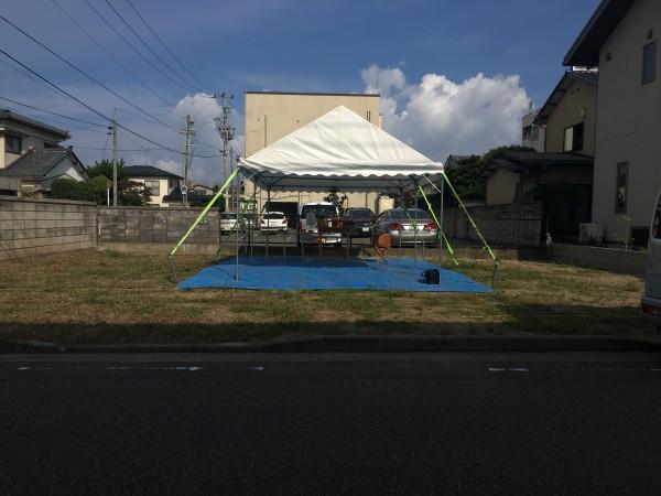 こちらは建築前の地鎮祭の写真です。ここに建ち上がった家をご見学頂けます!
