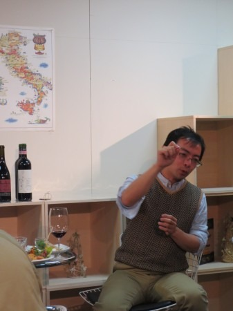 イタリアワインを輸入して16年の太田社長