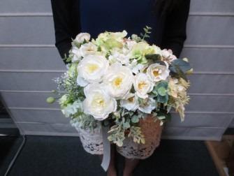ふんわりとやさしい花束が出来上がりました。